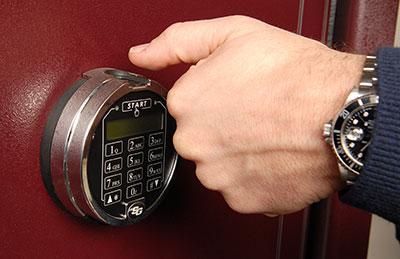 Biometric Locks | Fingerprint Locks | CASORO Jewelry Safes